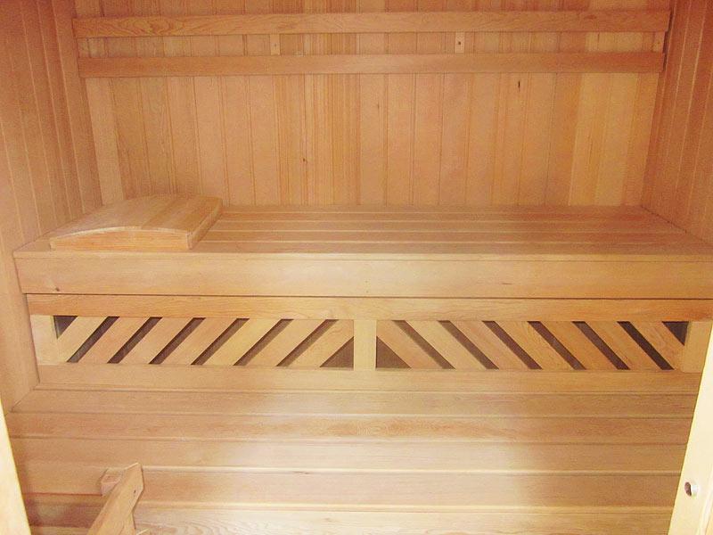 sauna-07s5-inside